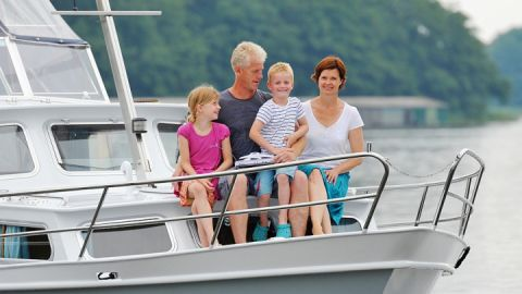hausboot-mieten-mit-familie