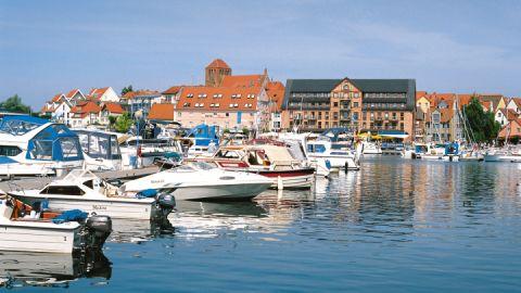 Boote im Hafen von Waren/Müritz, Mecklenburgische Seenplatte