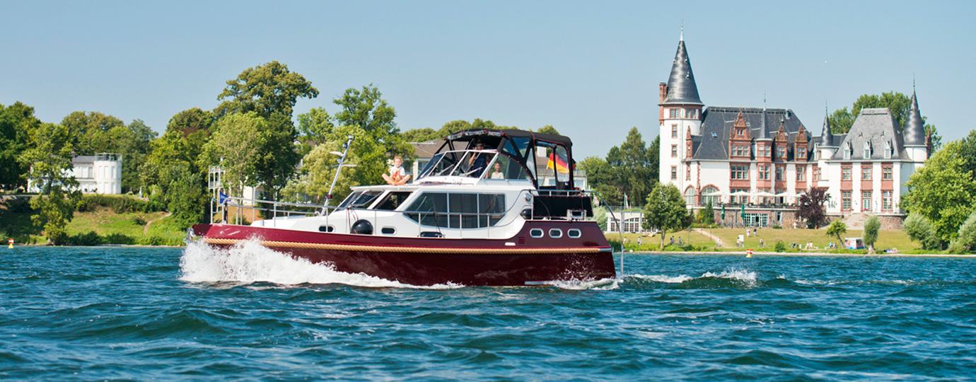 Hausboot Urlaub auf der Müritz bei Schloss Klink