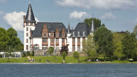 Wasseransicht_Schloss_Klink